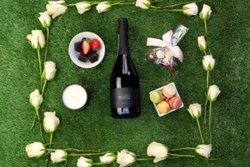 Bubbles Gift Set- Prosecco Hamper - Sky Wines home delivery
